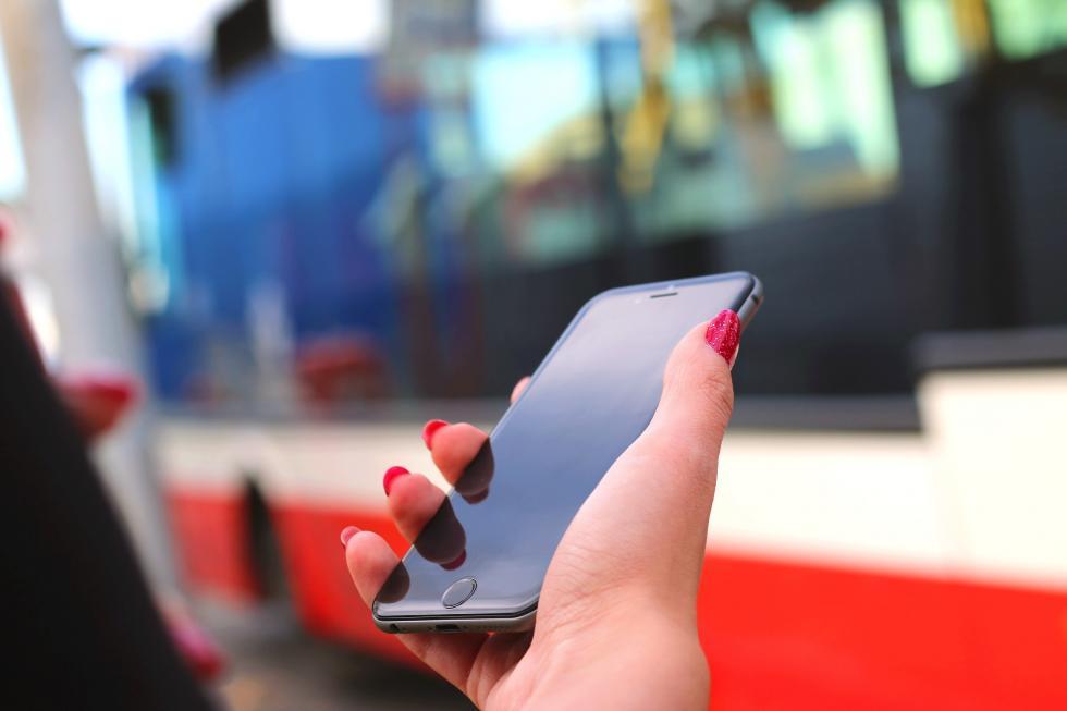 Bilety wWałbrzychu – jak je kupować za pomocą aplikacji na telefon?